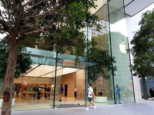 iPhone 12 mở bán, thị trường Việt Nam vẫn im ắng - Ảnh 1.