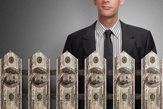Tại sao người càng giàu có càng ki bo? 3 lý do sau đây khiến họ khó mà hào phóng nổi - Ảnh 2.