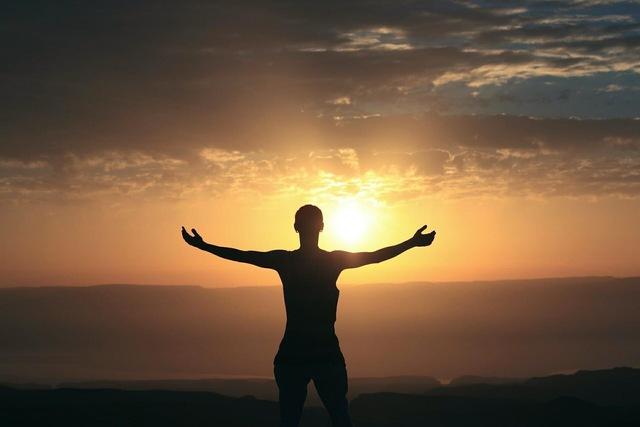 Điều tốt nhất luôn đi cùng khó khăn khốc liệt nhất: Sống trên đời, mỗi người đuề chín chắn nhờ nghịch cảnh, vinh quang nhờ đường cùng - Ảnh 4.