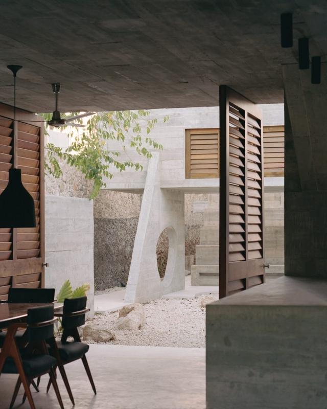 Ngôi nhà khỏa thân có hình dáng kỳ lạ ở Mexico - Ảnh 2.