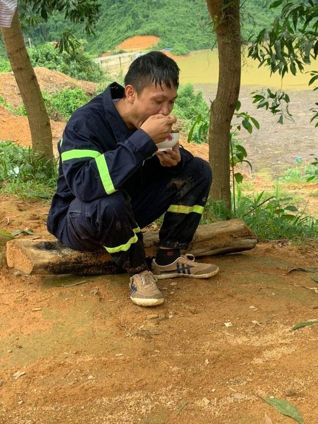 Chùm ảnh, Clip: Gian nan tìm kiếm 17 công nhân mất tích Rào Trăng 3  - Ảnh 9.