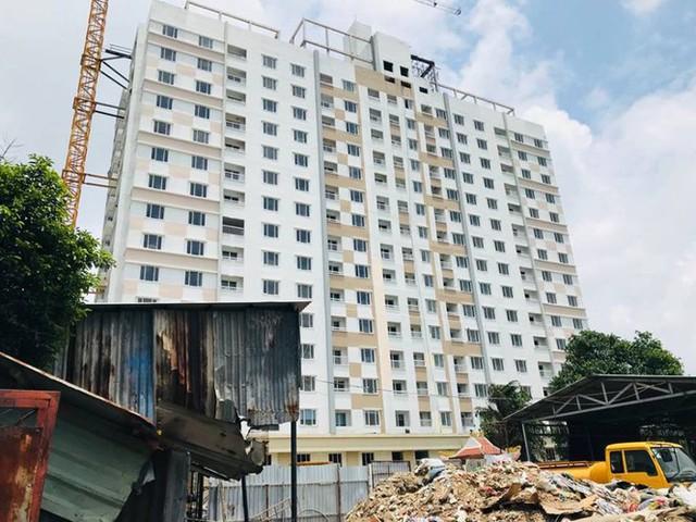 TPHCM ra tối hậu thư đối với dự án Tân Bình Apartment xây trái phép 2 tầng - Ảnh 1.