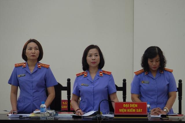 Triệu tập hơn 100 người đến phiên tòa xử đại án thất thoát hơn 1.600 tỷ tại BIDV liên quan ông Trần Bắc Hà - Ảnh 1.