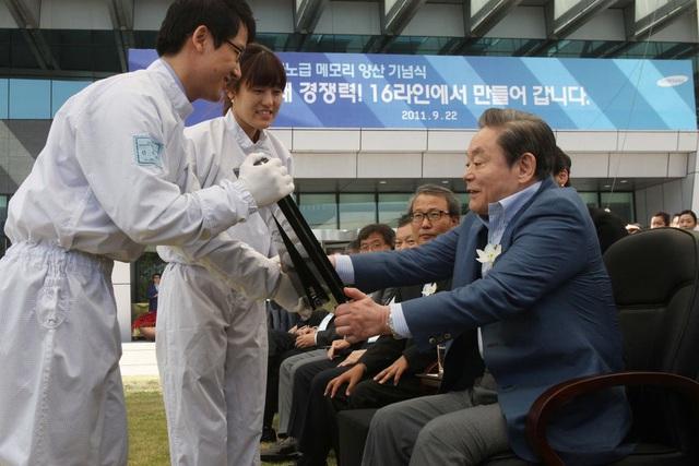 Ông Lee Kun Hee xây dựng Samsung trở thành đế chế khổng lồ thế nào? - Ảnh 2.