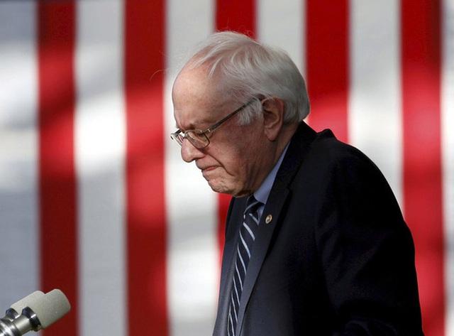 10 khoảnh khắc đáng nhớ nhất của chiến dịch tranh cử tổng thống Mỹ 2020 - Ảnh 3.