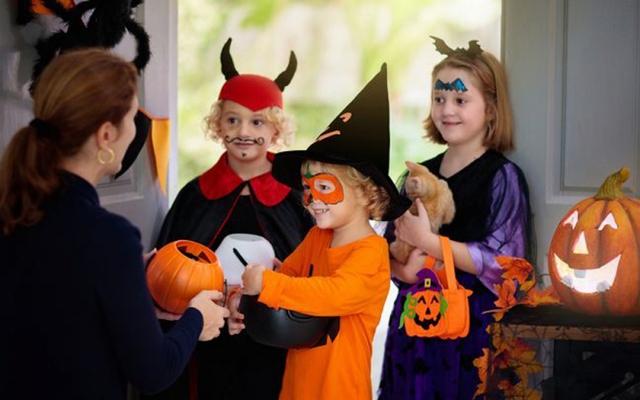 Thị trường đồ hóa trang Halloween 2020 sôi động bất chấp Covid-19  - Ảnh 4.