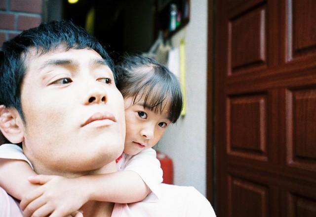 Bố Nhật cùng con gái bị bệnh tim bẩm sinh chiến đấu suốt 10 năm: Bố chẳng cần gì, chỉ cần con sống và 10.000 bức ảnh động lòng người - Ảnh 2.