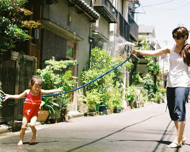 Bố Nhật cùng con gái bị bệnh tim bẩm sinh chiến đấu suốt 10 năm: Bố chẳng cần gì, chỉ cần con sống và 10.000 bức ảnh động lòng người - Ảnh 3.