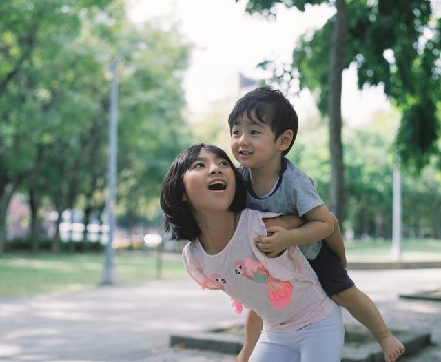 Bố Nhật cùng con gái bị bệnh tim bẩm sinh chiến đấu suốt 10 năm: Bố chẳng cần gì, chỉ cần con sống và 10.000 bức ảnh động lòng người - Ảnh 26.
