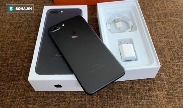 iPhone 7 giá từ 5,5 triệu, iPhone 8 rớt giá còn 7,5 triệu đồng - Ảnh 1.