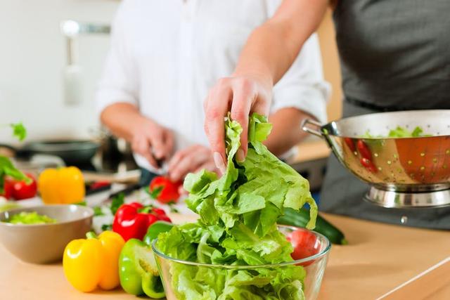 Các chuyên gia dinh dưỡng gợi ý 4 nguyên tắc vàng để vừa được ăn NGON cơ thể vừa KHỎE - Ảnh 1.