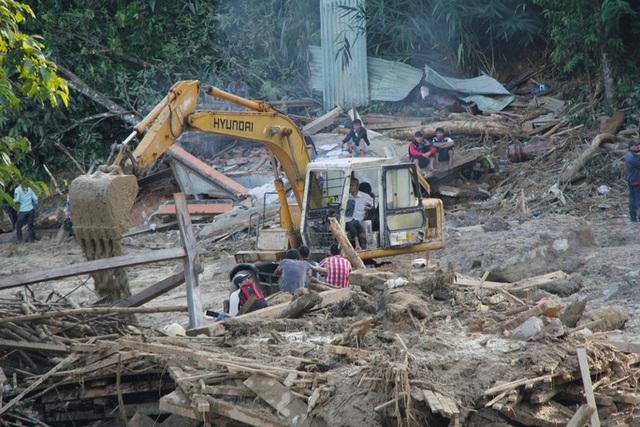 Hiện trường vụ sạt lở kinh hoàng tại Trà Leng - Quảng Nam  - Ảnh 2.