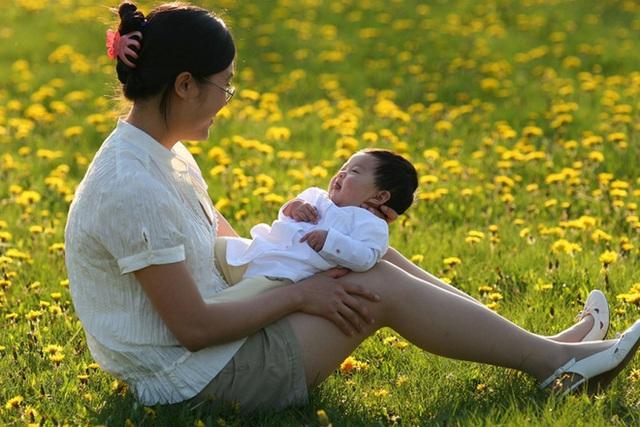 Danh y tiết lộ: Phơi 3 phần cơ thể dưới ánh nắng có thể bổ dương, giảm bệnh, tăng tuổi thọ - Ảnh 3.
