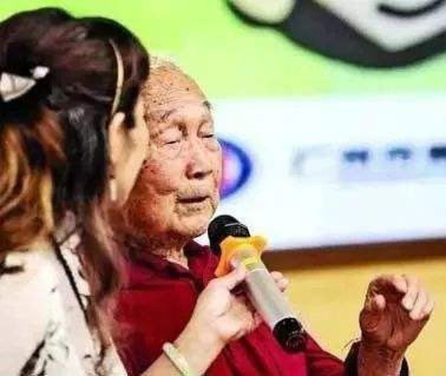 99 tuổi vẫn bơi sương sương 15km không cần nghỉ, bác sĩ chia sẻ 3 bí quyết sống lâu tránh xa bệnh tật - Ảnh 1.