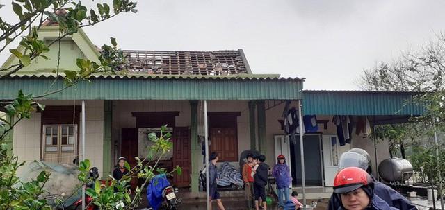 Chưa đầy 1 phút, trận lốc xoáy làm tốc mái 29 nhà dân  - Ảnh 3.
