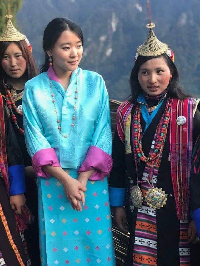 Nàng công chúa vạn người mê của Bhutan từng làm chao đảo MXH bất ngờ lên xe hoa, nhan sắc đôi tân lang tân nương gây chú ý - Ảnh 4.