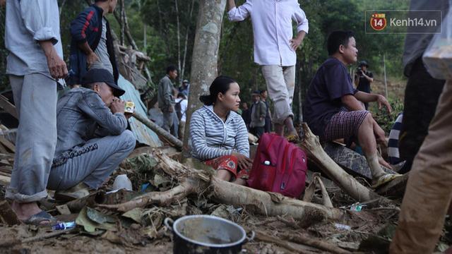 Nước mắt cụ bà mất 8 người thân trong vụ sạt lở ở Quảng Nam: Con nhắn tôi cẩn thận sạt lở, nhưng giờ con chẳng còn nữa - Ảnh 5.