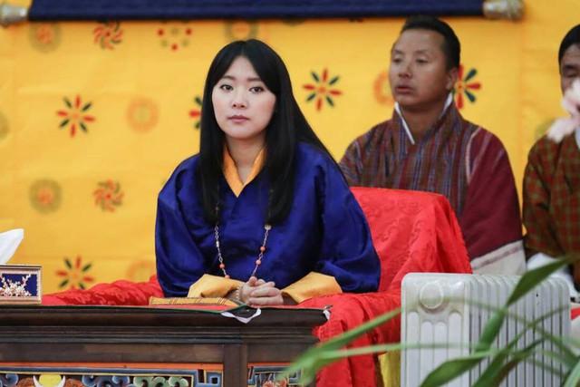 Nàng công chúa vạn người mê của Bhutan từng làm chao đảo MXH bất ngờ lên xe hoa, nhan sắc đôi tân lang tân nương gây chú ý - Ảnh 6.