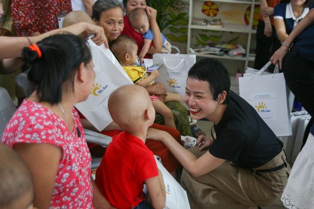 Hành trình 1 năm 4 tháng chiến đấu với ung thư vú của nữ sinh Ngoại Thương: Mình đã tốt nghiệp Bệnh viện K - Ảnh 12.