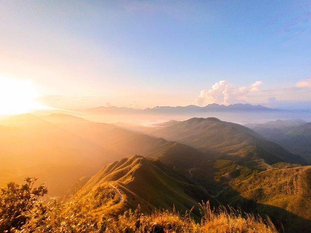 Cách Hà Nội chỉ 270 km, có một chốn núi rừng mang tên Bình Liêu dành cho người bận rộn: Cũng có ruộng bậc thang và đồng cỏ lau đẹp chẳng kém Hà Giang - Ảnh 9.