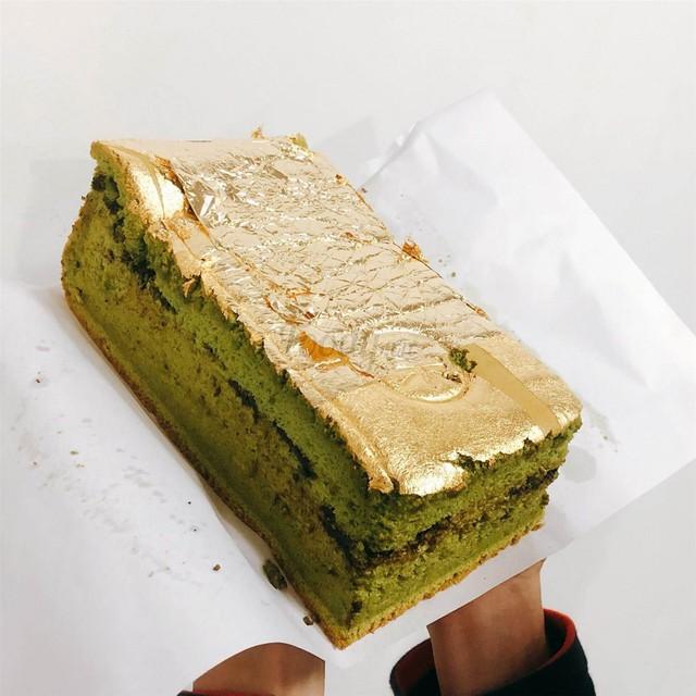 Những món ăn dát vàng có thể mua ở Việt Nam, giá chỉ khoảng 1 triệu đồng/món - Ảnh 4.