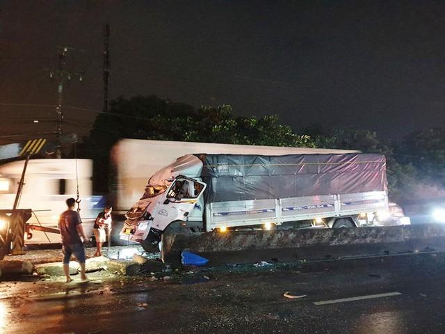 CLIP: Tai nạn kinh hoàng, 1 người chết, 19 người bị thương  - Ảnh 2.