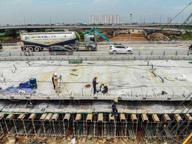 Cận cảnh công trình kết nối vành đai 3 với cao tốc Hà Nội - Hải Phòng - Ảnh 4.