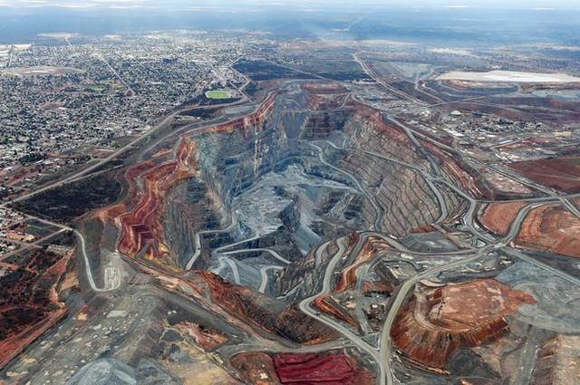 Thương vụ sáp nhập 11,5 tỷ USD có thể gây ra cơn sốt vàng toàn cầu - Ảnh 1.