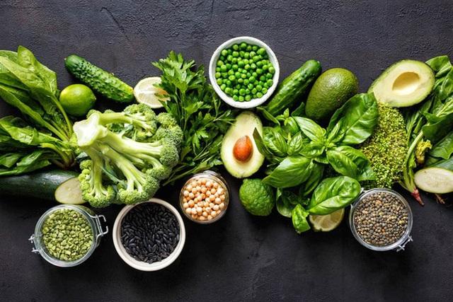 [Hỏi chuyên gia] Ăn chay và ăn mặn, cách nào thực sự tốt hơn? - Ảnh 2.