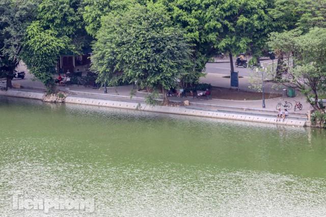 Diện mạo hồ Hoàn Kiếm sau 5 tháng chỉnh trang - Ảnh 3.