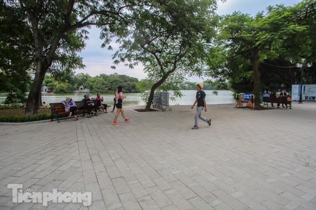 Diện mạo hồ Hoàn Kiếm sau 5 tháng chỉnh trang - Ảnh 4.