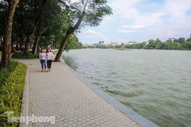 Diện mạo hồ Hoàn Kiếm sau 5 tháng chỉnh trang - Ảnh 9.