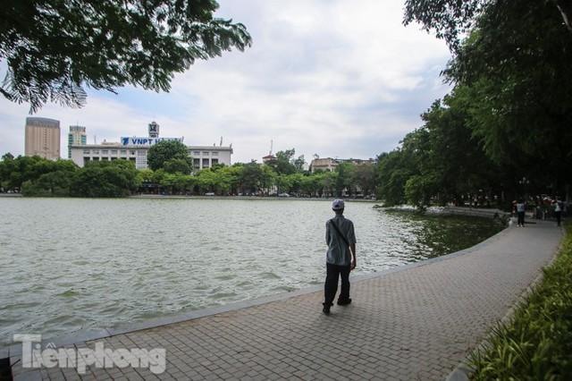 Diện mạo hồ Hoàn Kiếm sau 5 tháng chỉnh trang - Ảnh 10.