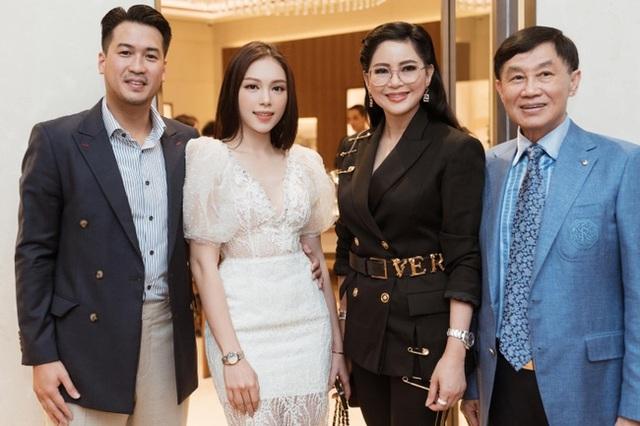 Rich kid Tiên Nguyễn mới 24 tuổi đã nhận danh hiệu Doanh nhân TP.HCM tiêu biểu 2020, xem những điều cô và công ty của gia đình đã làm suốt thời điểm dịch Covid-19 còn bất ngờ hơn! - Ảnh 4.