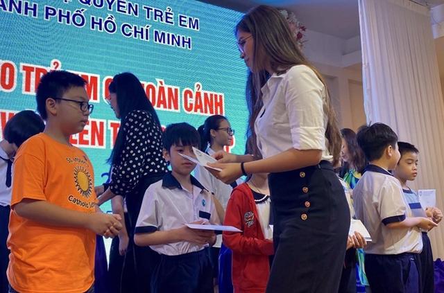 Rich kid Tiên Nguyễn mới 24 tuổi đã nhận danh hiệu Doanh nhân TP.HCM tiêu biểu 2020, xem những điều cô và công ty của gia đình đã làm suốt thời điểm dịch Covid-19 còn bất ngờ hơn! - Ảnh 5.