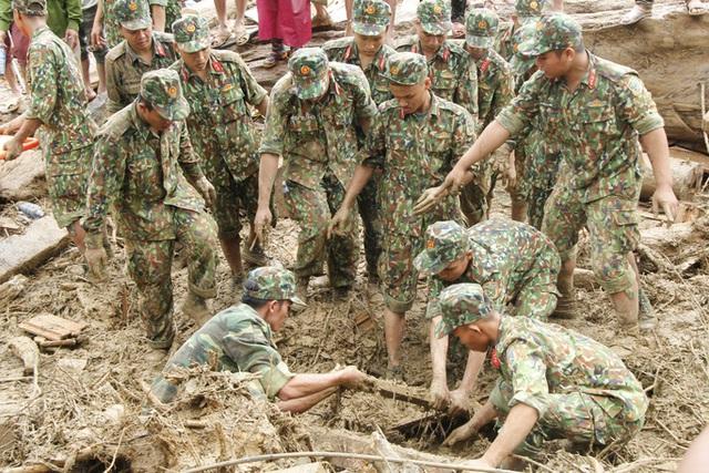 14 người mất tích ở Trà Leng: Đào xới hết khu sạt lở nhưng không tìm thấy ai  - Ảnh 3.