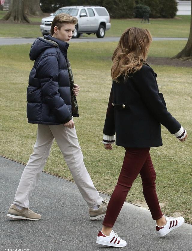 Cả gia đình sắp phải rời Nhà Trắng, đệ nhất thiếu gia Mỹ Barron Trump sẽ chuyển đến sống ở đâu và trải qua những thay đổi lớn thế nào? - Ảnh 2.