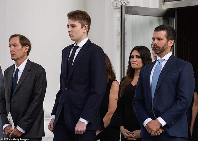 Cả gia đình sắp phải rời Nhà Trắng, đệ nhất thiếu gia Mỹ Barron Trump sẽ chuyển đến sống ở đâu và trải qua những thay đổi lớn thế nào? - Ảnh 13.