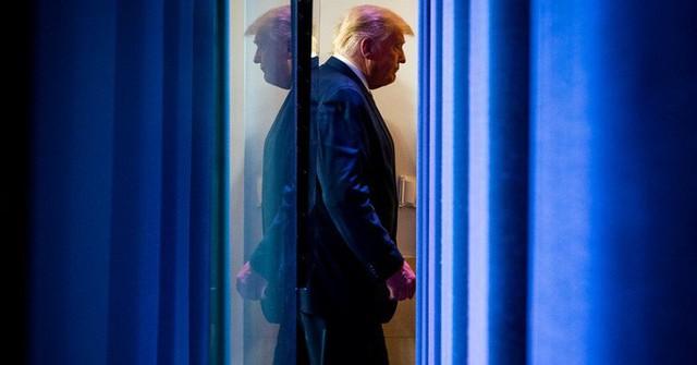 Ông Trump sử dụng vũ khí mới để chống lại kết quả bầu cử đáng ngờ  - Ảnh 1.