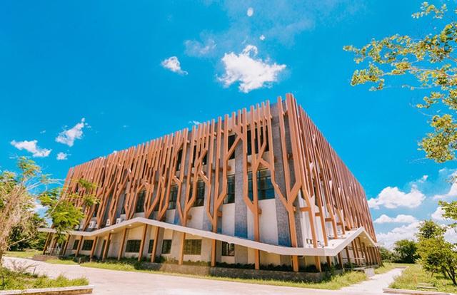 Trường đại học sang chảnh nhất miền Tây: Đầu tư hẳn một khu vực gần 60 nghìn tỷ đồng, sinh viên sốt rần rần thi nhau đến sống ảo - Ảnh 3.
