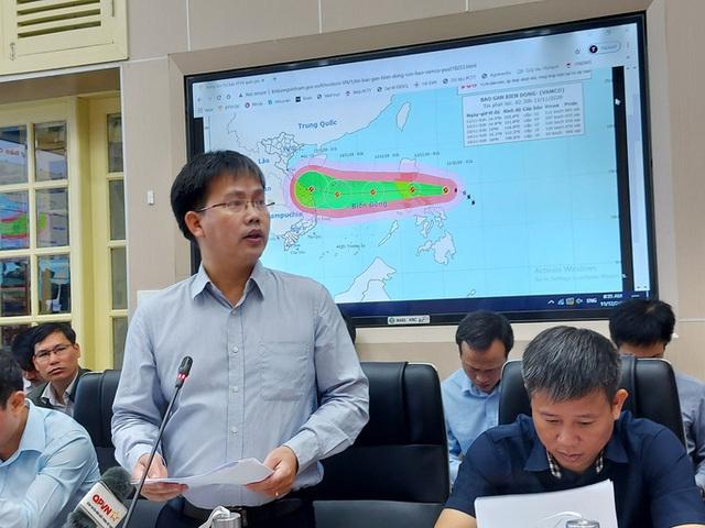Bộ trưởng Nguyễn Xuân Cường: Bão số 13 có hướng đi dị thường như bão Hải Yến  - Ảnh 1.