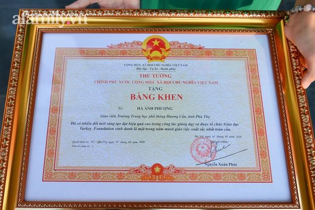 Cô giáo Mường có lớp học xuyên biên giới, lọt top 10 giáo viên xuất sắc toàn cầu, được nhận bằng khen của Thủ tướng Chính phủ - Ảnh 5.