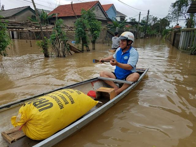 Hồ thủy lợi, thủy điện xả nước, nhiều nơi ở Huế ngập nặng dù trời không mưa  - Ảnh 9.