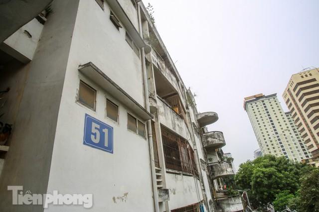 Tận thấy khu chung cư trước nguy cơ sập đổ ở giữa Thủ đô  - Ảnh 13.