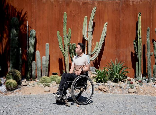 """Chàng trai đi phượt bằng xe lăn, chinh phục những con đèo hiểm trở nhất Việt Nam: """"Mất 10 năm định nghĩa hai từ """"tự do"""" bằng cách chưa ai từng làm!"""" - Ảnh 17."""