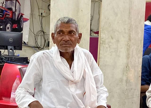Quyết tâm đi đào kênh dẫn nước về làng, cụ ông bị vợ và mọi người mỉa mai là gã điên, 30 năm sau phải quay lại cảm tạ ông - Ảnh 4.