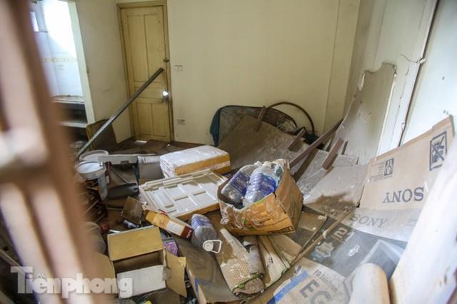 Tận thấy khu chung cư trước nguy cơ sập đổ ở giữa Thủ đô  - Ảnh 9.