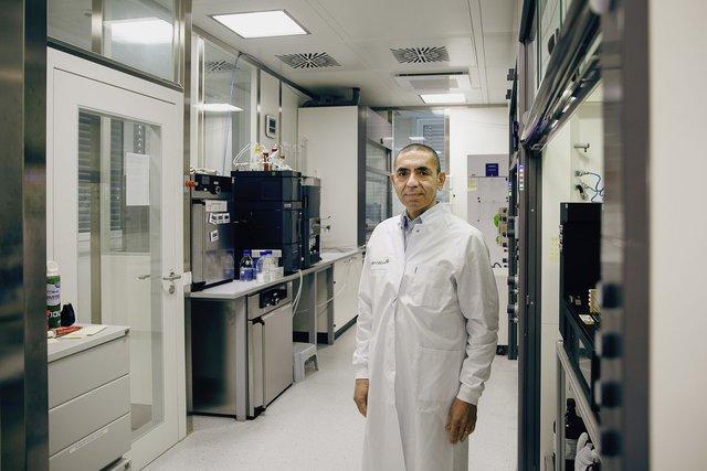 BioNTech: Công ty vô danh bỗng trở thành người hùng trong đại dịch, cổ phiếu tăng vọt hơn 600% kể từ đợt IPO thất bại - Ảnh 2.