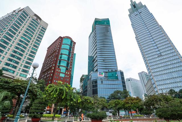 Cận cảnh khách sạn 5 sao Hilton Sài Gòn đang trong diện rà soát pháp lý - Ảnh 1.