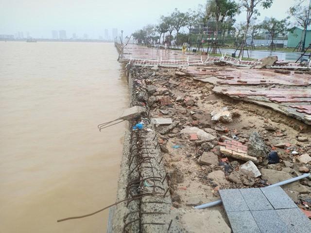 Những hình ảnh thiệt hại đầu tiên do bão số 13 gây ra ở miền Trung  - Ảnh 1.